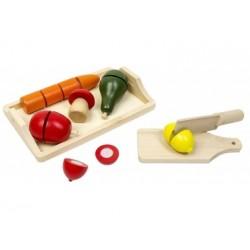 Tablett mit Obst und Gemüse